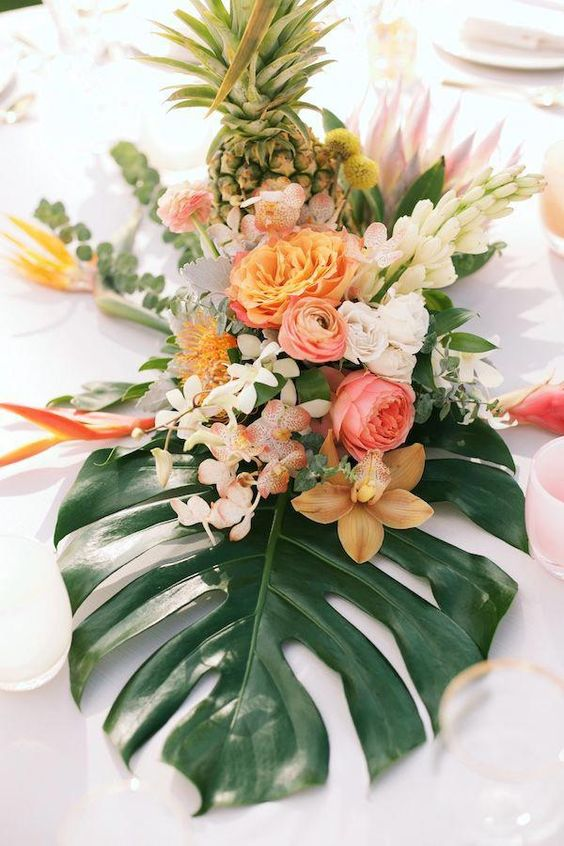 table wedding decor with flowers